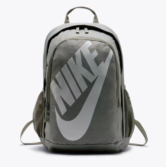 กระเป๋าเป้สะพาย Nike